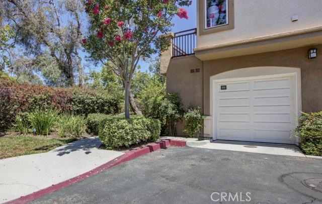 99 Pomelo, Rancho Santa Margarita CA: http://media.crmls.org/medias/78f36566-bdf1-4e9f-80bc-dacec8555088.jpg