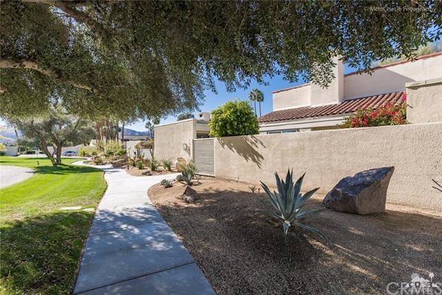 Photo of home for sale at 34885 Mission Hills Drive, Rancho Mirage CA