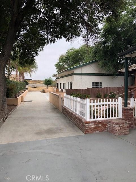 20930 Jamison Avenue, Carson CA: http://media.crmls.org/medias/78fd2b3d-32d6-45e8-b14b-ce589df73d96.jpg