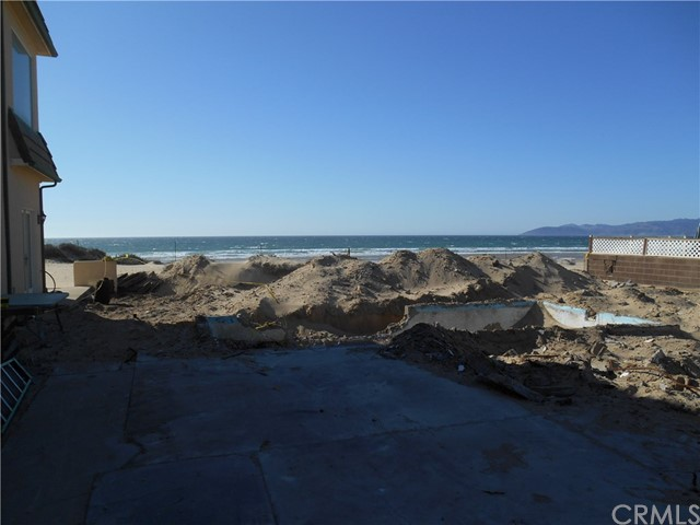 1358 Strand Way, Oceano CA: http://media.crmls.org/medias/7915532b-9d2b-4924-982e-e5e82d6d2578.jpg