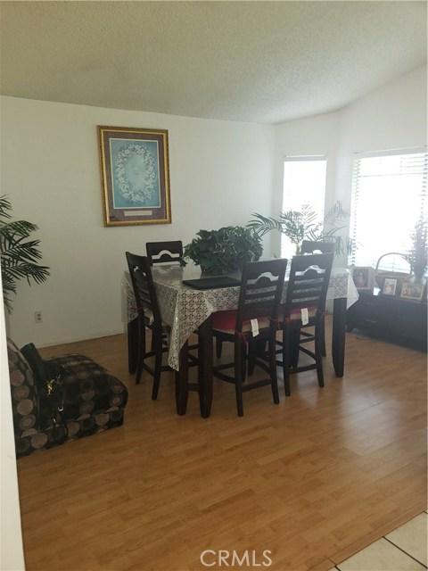 13815 Pheasant Knoll Lane, Moreno Valley CA: http://media.crmls.org/medias/79163dd6-4b0b-4d37-bb1d-f1a39719dd22.jpg