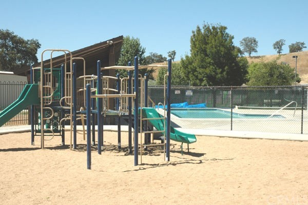 5040 Meadow Lark Lane, Paso Robles CA: http://media.crmls.org/medias/791f37a6-de8e-4d56-a41f-ad0643eaf35a.jpg