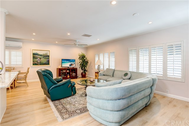 279 Cambridge Way, Newport Beach CA: http://media.crmls.org/medias/7921ac19-8fda-461f-ad6f-146be707f08c.jpg