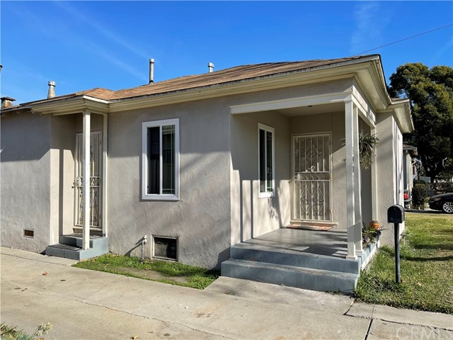 Detail Gallery Image 1 of 1 For 3901 Walnut Ave, Lynwood,  CA 90262 - 3 Beds   1 Baths
