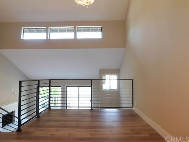 2066 Meadow View Lane, Costa Mesa CA: http://media.crmls.org/medias/792c1ee3-4af0-4415-b81b-35d16a739f22.jpg