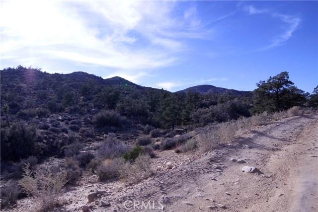 45449 Burns Canyon Road, Pioneertown CA: http://media.crmls.org/medias/79442217-3608-48ab-8fee-27cd308f6f70.jpg