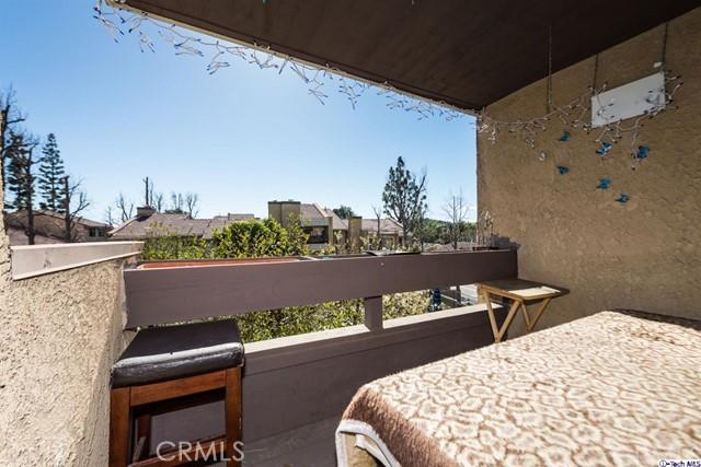 10051 Topanga Canyon Boulevard, Chatsworth CA: http://media.crmls.org/medias/794e63a4-e140-44d2-ba73-f4f0d7250b2a.jpg