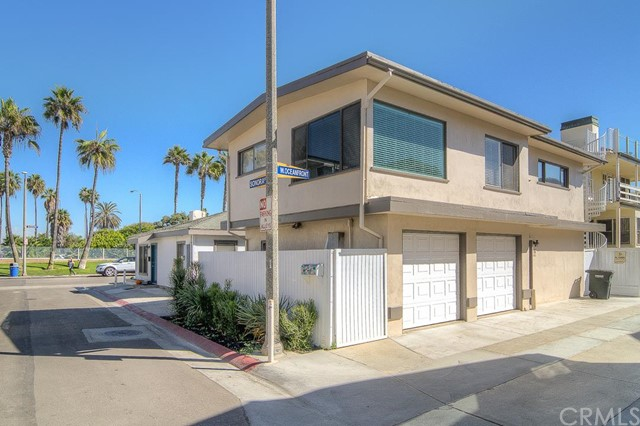 Townhouse for Rent at 106 Sonora St Newport Beach, California 92663 United States