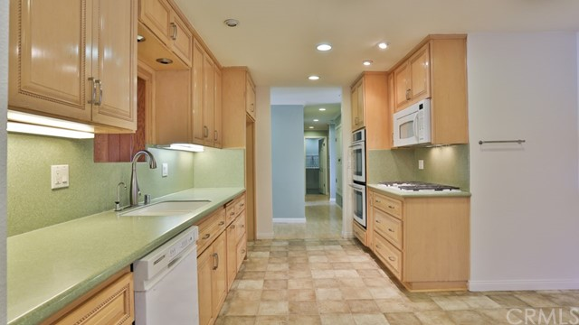 1421 W Apollo Av, Anaheim, CA 92802 Photo 10