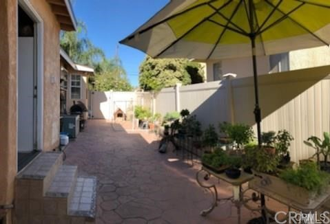 10752 Gerald Avenue, Granada Hills CA: http://media.crmls.org/medias/797318ac-a77e-4eab-bf66-8964ea1e1cc8.jpg