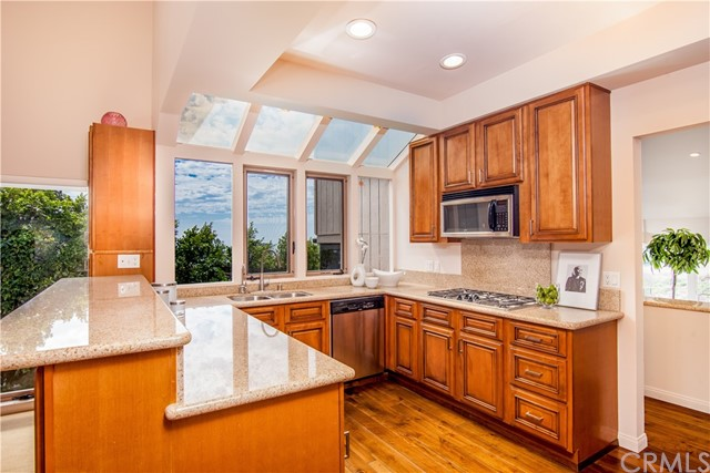 Additional photo for property listing at 1455 Morningside Drive  Laguna Beach, California 92651 United States