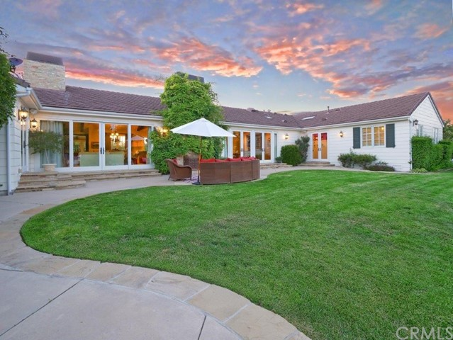 17 Middleridge N Lane, Rolling Hills CA: http://media.crmls.org/medias/797785cc-cd24-491b-8d29-b9e2bd8d3917.jpg