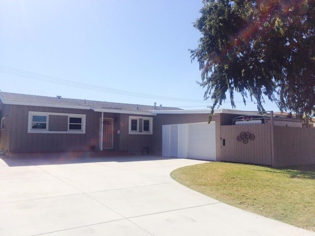 Single Family Home for Sale at 13791 Milan St Westminster, California 92683 United States