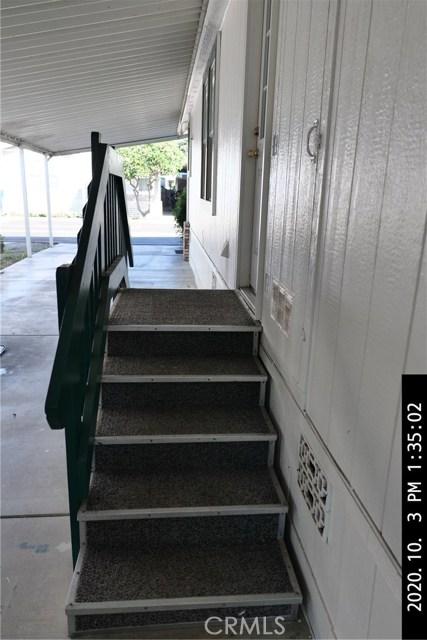 3050 W Ball Road, Anaheim CA: http://media.crmls.org/medias/79932031-7070-400b-af5c-536235ae8a59.jpg