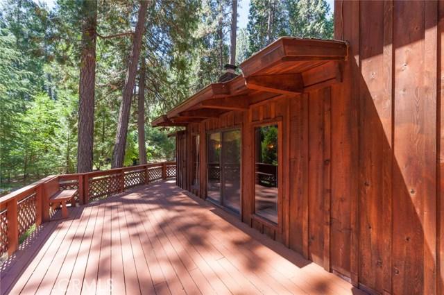 15555 Nopel Avenue, Forest Ranch CA: http://media.crmls.org/medias/79a20a7f-75bb-4d6e-abea-ec840a3ea50e.jpg