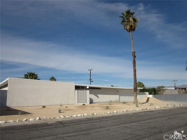 2326 Finley Road, Palm Springs CA 92262