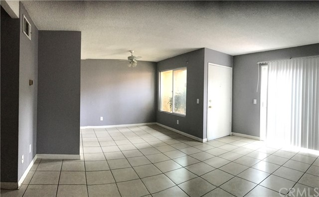 7431 Shadyglade Avenue, North Hollywood CA: http://media.crmls.org/medias/79ba702a-5bd0-4d0e-9f84-c572dfb5cac0.jpg