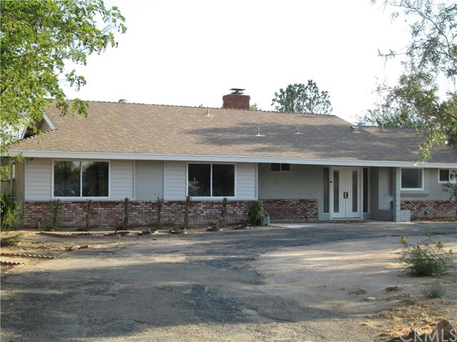 19955 Shoshonee Road Apple Valley, CA 92307 is listed for sale as MLS Listing CV16182459