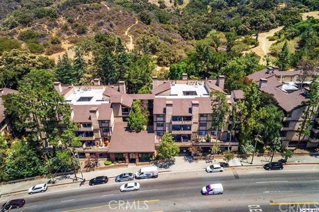 3480 Barham Boulevard, Hollywood Hills East CA: http://media.crmls.org/medias/79cdfa3c-9e5e-470b-801d-a9b284824ace.jpg
