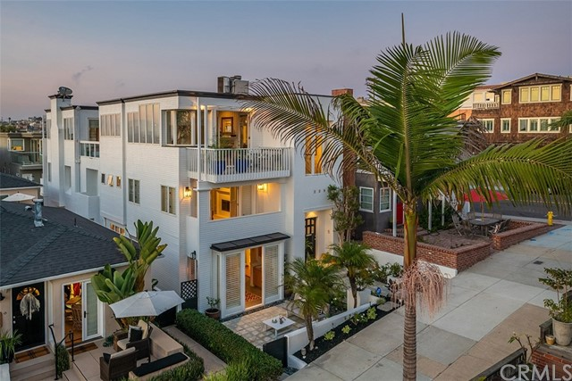 Photo of 229 19th Street, Manhattan Beach, CA 90266