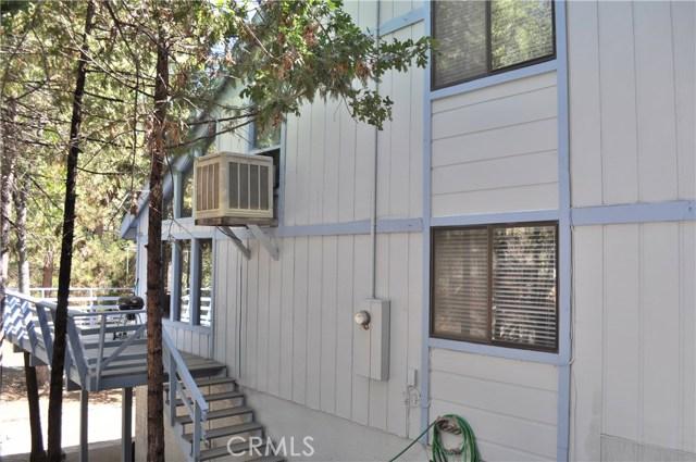 54668 Blue Gill, Bass Lake CA: http://media.crmls.org/medias/7a00c52e-d3eb-47f5-b8bd-68a7df0d6ca5.jpg