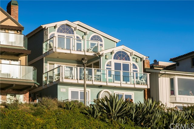 Single Family Home for Sale at 1912 The Strand Manhattan Beach, California 90266 United States
