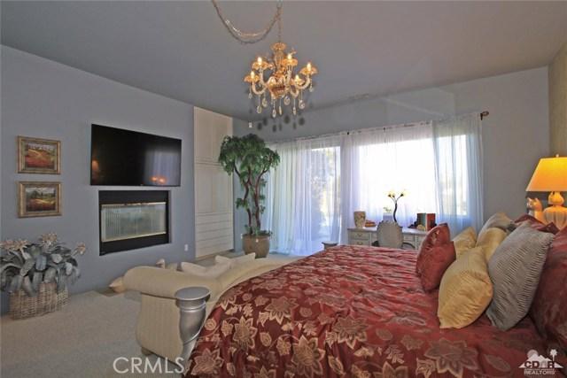 104 Loch Lomond Road, Rancho Mirage CA: http://media.crmls.org/medias/7a0e34a9-f812-44a1-9bd8-47c4f629a213.jpg