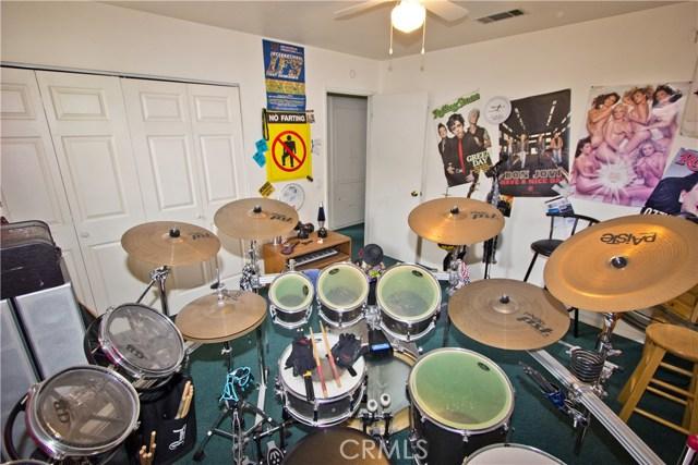 2525 W Clearbrook Ln, Anaheim, CA 92804 Photo 33