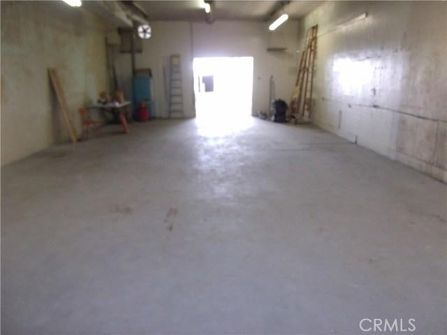 1317 SOLANO, Corning CA: http://media.crmls.org/medias/7a212c5b-ba85-43f6-80d9-9fc094726b36.jpg