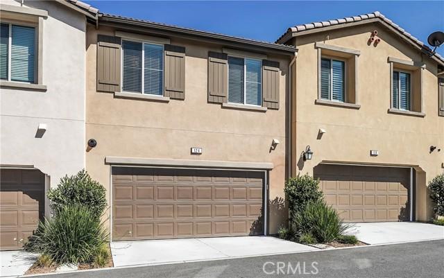 124 S Auburn Heights Lane, Anaheim Hills CA: http://media.crmls.org/medias/7a2f3d61-b5f4-42a1-a7fe-c261701d011c.jpg