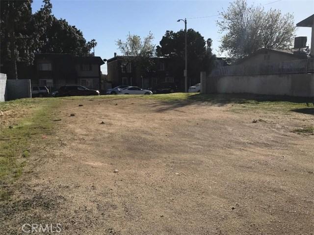 222 E Jackson Street, Rialto CA: http://media.crmls.org/medias/7a311e61-069d-40b1-a44e-f9dceb81e483.jpg