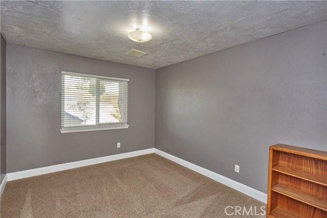 14950 Nokomis Road, Apple Valley CA: http://media.crmls.org/medias/7a4620e1-b0d4-487c-8929-d49d6cf83408.jpg