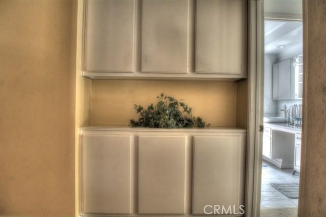 1360 Halifax Drive, Riverside CA: http://media.crmls.org/medias/7a4e57af-44d0-4105-be10-119323c7fc28.jpg