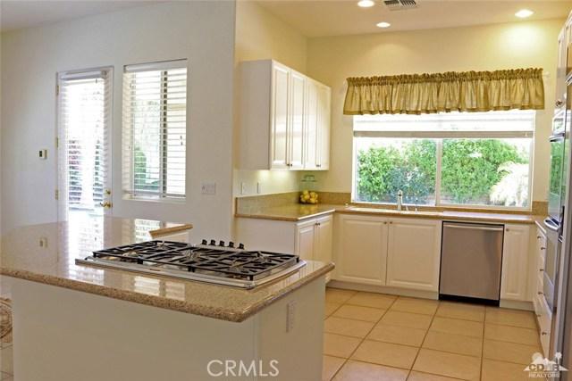 5 Varsity Circle, Rancho Mirage CA: http://media.crmls.org/medias/7a51f244-367e-476e-b883-d51dc80c7591.jpg