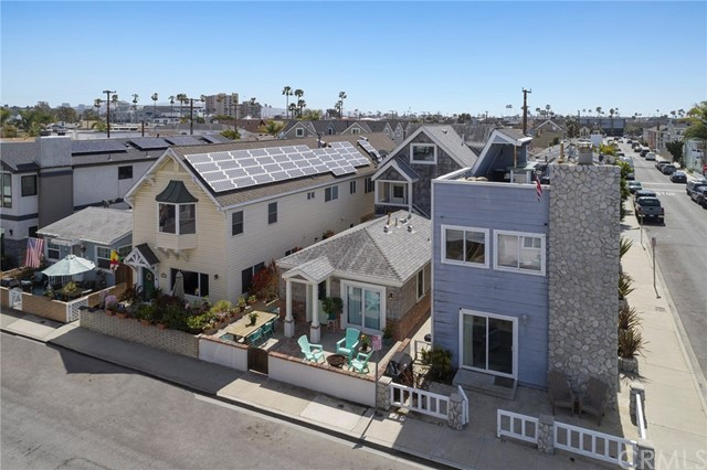 Photo of  Newport Beach, CA 92663 MLS OC18081135