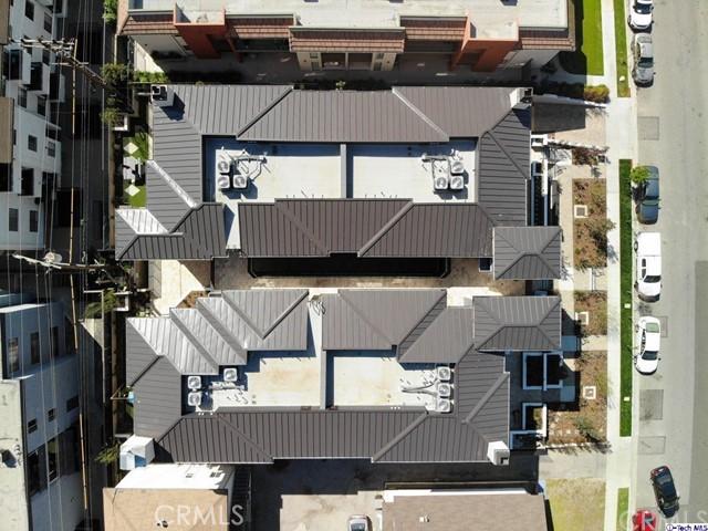 330 Salem Street, Glendale CA: http://media.crmls.org/medias/7a542dbd-e765-449c-9436-6382280747f0.jpg