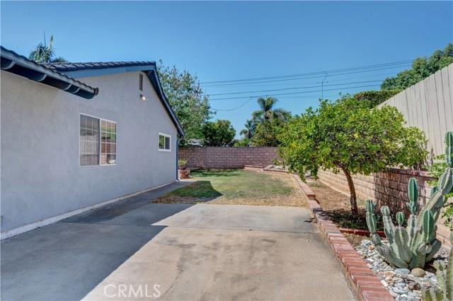 1141 Kingston Drive, La Habra CA: http://media.crmls.org/medias/7a62c762-df1a-4900-ad3a-fc22cad9a4f9.jpg