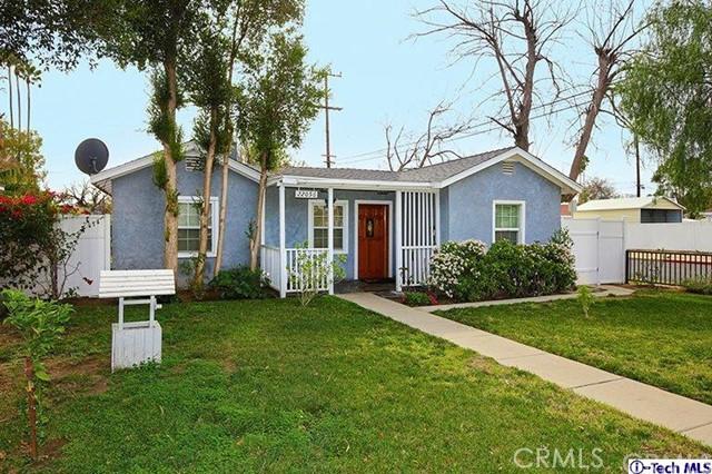 Casa Unifamiliar por un Venta en 22056 cohasset Street Canoga Park, California 91303 Estados Unidos