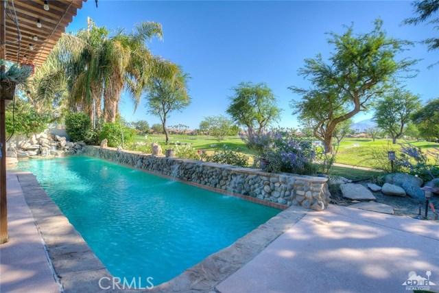 54015 Southern Hills, La Quinta CA: http://media.crmls.org/medias/7a71fd01-1721-4a81-96fb-1b824bcaed02.jpg