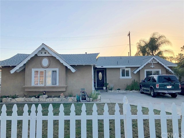 1361 S Loara Street Anaheim, CA 92802 is listed for sale as MLS Listing IG18125833