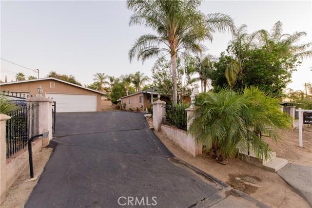 1625 Gum Tree Lane, Fallbrook CA: http://media.crmls.org/medias/7a80c446-1d90-41e3-a58a-4749e9d1497b.jpg