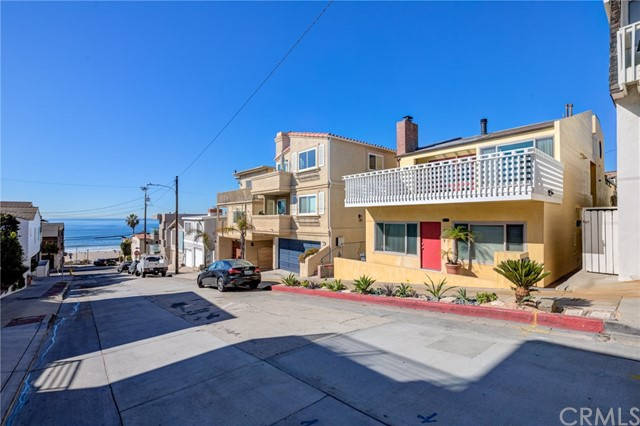 203 38th Street, Manhattan Beach CA: http://media.crmls.org/medias/7a927d9a-8fb4-4a30-9450-c02bfacf420d.jpg