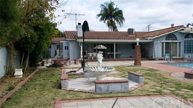Casa Unifamiliar por un Venta en 16401 Grand Avenue 16401 Grand Avenue Bellflower, California 90706 Estados Unidos
