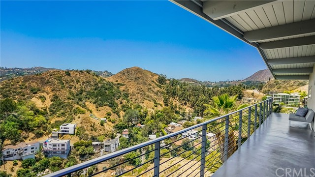 6427 La Punta Dr, Los Angeles, CA 90068 Photo 17