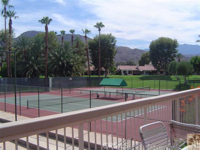95 Tennis Club Drive, Rancho Mirage CA: http://media.crmls.org/medias/7aaa4c30-6b5d-4115-a710-3c29fc4f4597.jpg
