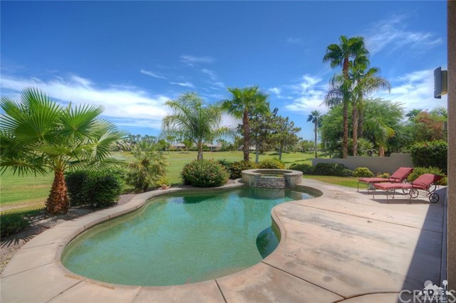 10 Via Haciendas, Rancho Mirage CA: http://media.crmls.org/medias/7aafd6f7-91f1-4672-8866-31ceacea1316.jpg