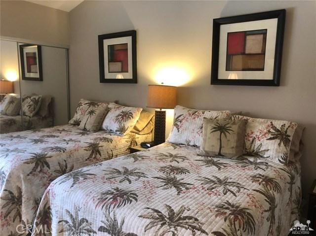 38635 Dahlia Way, Palm Desert CA: http://media.crmls.org/medias/7ab89659-82ed-46e8-adf3-1e269a62ef1d.jpg
