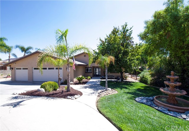 Photo of 23185 Wild Rice Drive, Canyon Lake, CA 92587