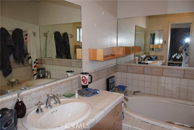 740 Maryland Street, El Segundo CA: http://media.crmls.org/medias/7ad2a7ac-5522-4d3d-8121-a1706d3e90ec.jpg