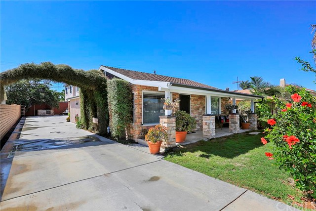 Residential Income for Sale at 369 Rochester St Costa Mesa, California 92627 United States